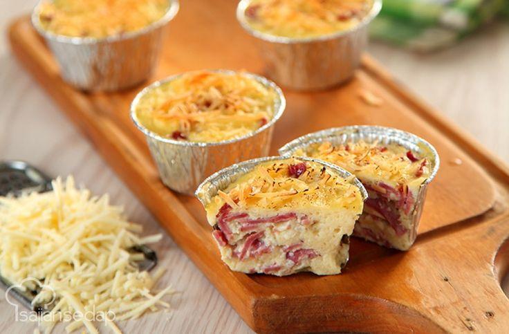 http://sajiansedap.grid.id/Masakan/Panggang/Buat-Sarapan-Lebih-Meriah-Dengan-Skotel-Roti-Daging-Asap