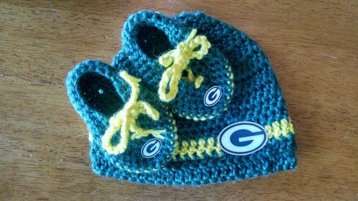 Crocheted Green Bay Packers Hat/Bootie Set by BARTYyarn on Etsy
