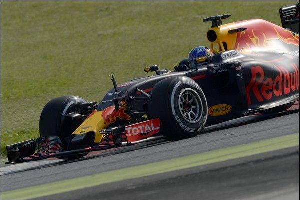 Per Ricciardo, Verstappen rappresenta una buona Motivazione