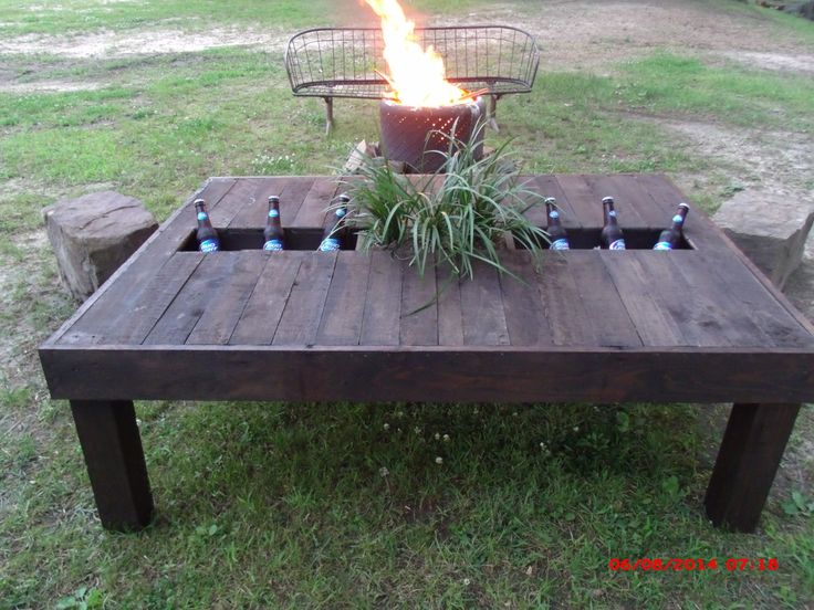 pallet table with planter and cooler insert things my