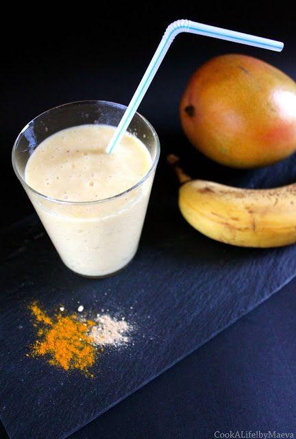 Smoothie vegan banane, mangue, gingembre & curcuma, pour faire le plein d'anti-oxydants • Vegan banana mango ginger turmeric smoothie full of vitamins and anti-oxidants #healthy #santé #nutrition