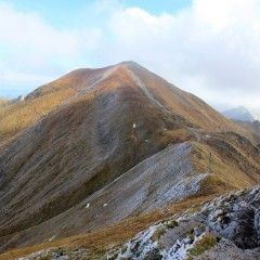 Czerwone Wierchy in Tatra Mountains. The peaks are more than 2000 meters above sea level. It's one of the most beautiful hiking trails i Poland. Would you like to try it? Visit #polishtrails and let's hike together