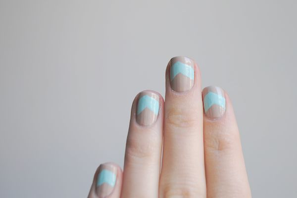 the chevron manicure - this color combo couldn't be more perfect!