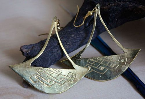Boucles d'oreilles Katanga, bijou hache tribale africaine en laiton                                                                                                                                                                                 Plus