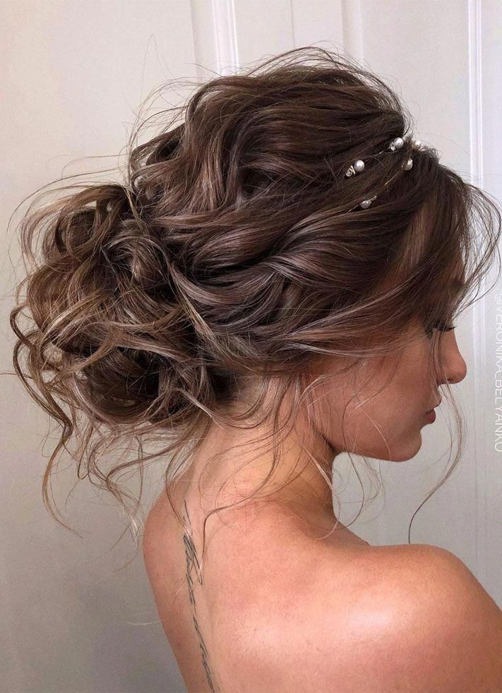 44 Romantic Messy Updo Hairstyles For Medium Length To Long Hair Messy Updo Hairstyle For Elegant Look Hairstyl In 2020 Messy Hair Updo Long Hair Styles Hair Styles