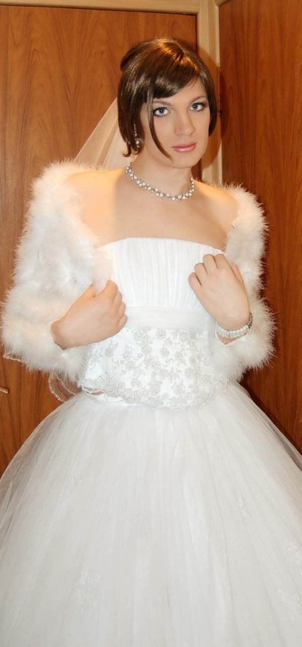 bride sissy brides crossdresser male bridal romantic cd pretty tgirls attire dresses crossdressing boys gowns wear such he she boy