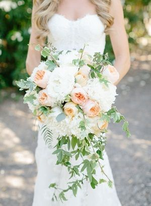 Rose and wine wedding bouquet by http://bashplease.com/ | photography by http://erinheartscourt.com/