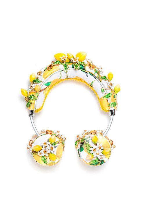 お花のガジェットたまらんな。使わないで壁に飾りたいヘッドホン。<ドルチェ&ガッバーナ