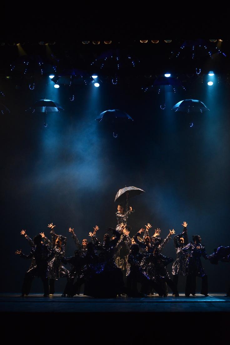 """3° Lugar Jazz - Conjunto - Avançada.  Monique Paes Studio de Dança, de Jacareí (SP), com a coreografia """"Off Broadway"""". Crédito: Dashmesh Photos/Claudia Baartsch"""