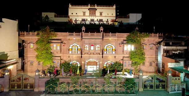 Book hotels and guest houses in Jodhpur. Get best deal on hotel booking and room booking in Jodhpur.