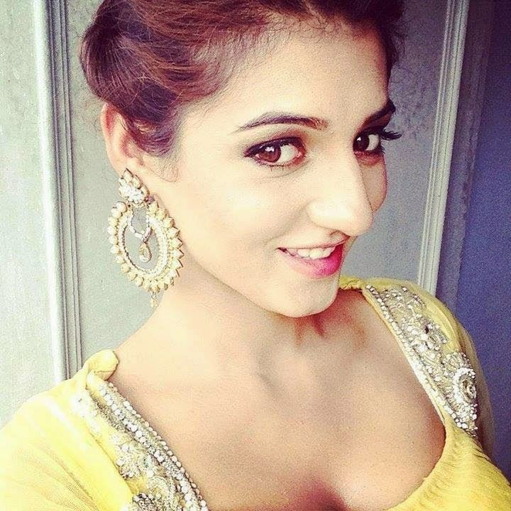 Amazing Look - Russian Girls,Girls Tv,Girls Tv Series,Girls Series,Girls Tv Show Online,: Vishakha Thakur Wallpapers
