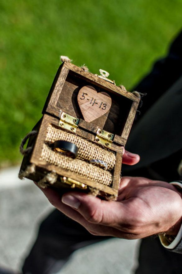 rustic wedding ring box - cute alternative to the traditional wedding pillow. Plus it has burlap!!!!