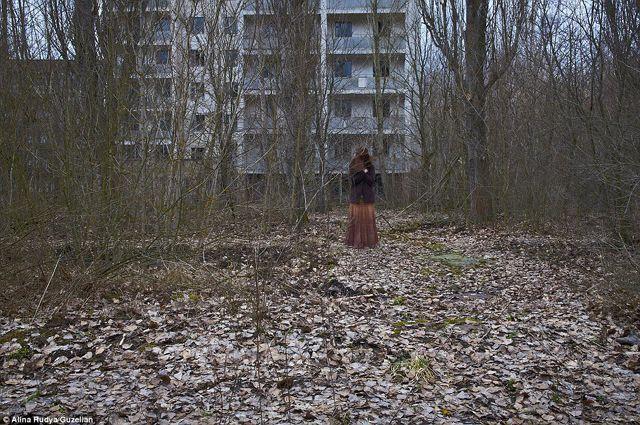 Visszatért a szellemvárosba a csernobili túlélő - megindító fotók