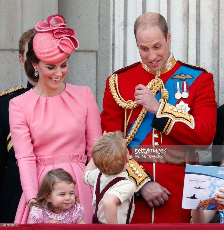 News Photo : Catherine, Duchess of Cambridge, Princess...