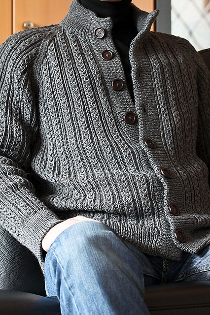 Ravelry: Rikora's Herrenjacke mit Fantasierippen - handsome man-sweater.