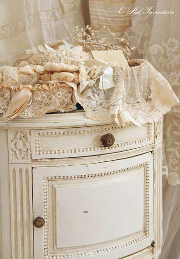 19世紀末頃のアンティークのベッドサイドテーブル - O Bel Inventaire-Bis*アンヴァンテール・ビス*