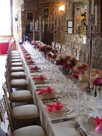 Long Elegant Table With Fushia Accents