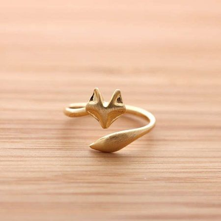 So cool—gold fox ring❣ portuguesejewellery.pt
