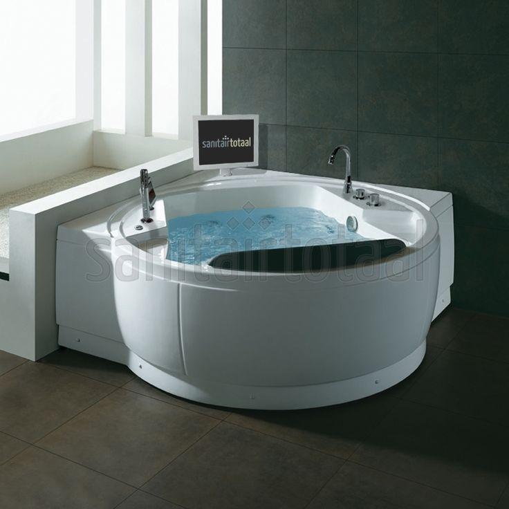 Bubbelbad met tv, bubbelbad badkamer, luxe badkamer, welness badkamer, badkamer inspiratie, badkamer ideeen, whirlpool badkamer, indoor jacuzzi, whirlpoolbad