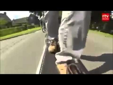 Almanya'da geliştirilen bu bisikleti hareket ettirmek için pedal çevirme...