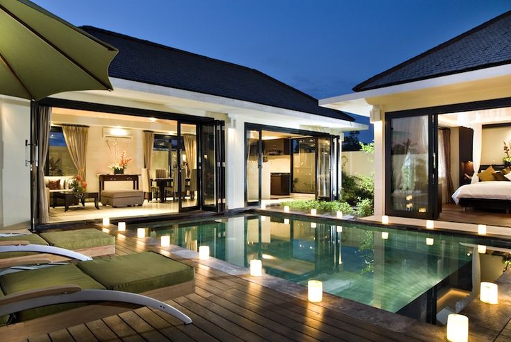 We offer the best hotels in Seminyak. Romantic couples, groups of friends and families who are traveling together, all find here just what they are looking for.