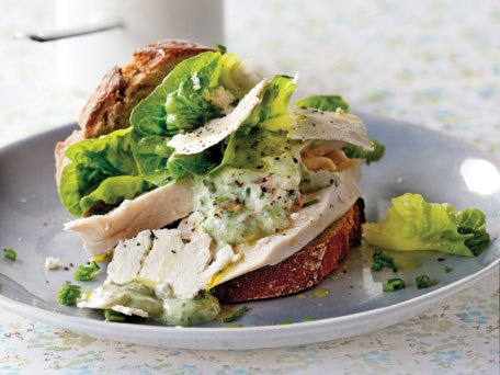The Healthy Chicken Sandwich with a Caesar Twist: Recipese Healthy Chicken, Chicken Caeser, Recipe Sandwiches, Feta Recipese Healthy, Healthy Chicken Salads, Healthy Food, Chicken Caesar Sandwiches, Caesar Twists, Healthy Chicken Sandwiches