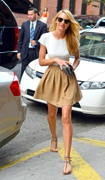 Candice Swanepoel's minimal chicFull Skirts, Fashion, Dreams Closet, Clothing, Candice Swanepoel, Casual, Street Styles, Cute Simple Outfits, Simple Summer Outfits