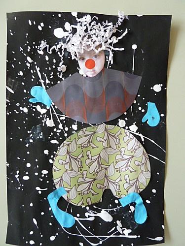 Les enfants ont recouvert la feuille de peinture noire à laide dun rouleau puis, sans attendre le séchage, on fait danser un pinceau gorgé de peinture blanche liquide au dessus de la feuille sans la toucher. Je les ai pris en photo chacun leur tour: ils devaient faire une tête de clown... Jai découpé des visages et lATSEM a découpé des pantalons et des vestes dans des papiers divers de récupération (catalogues de papier peint, chutes de travaux denfants) ainsi que des mains et des pieds co