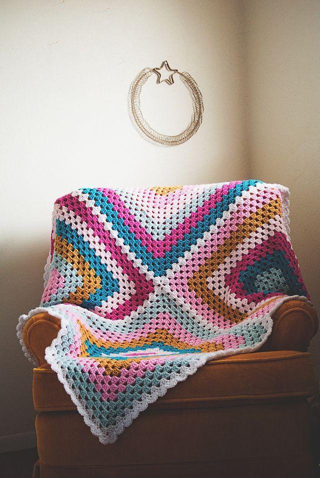 Crochet: Granny Four Square. Ohmygoodknits! Blog
