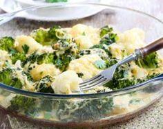 Gratin de chou-fleur et de brocoli léger aux graines de chia : http://www.fourchette-et-bikini.fr/recettes/recettes-minceur/gratin-de-chou-fleur-et-de-brocoli-leger-aux-graines-de-chia.html