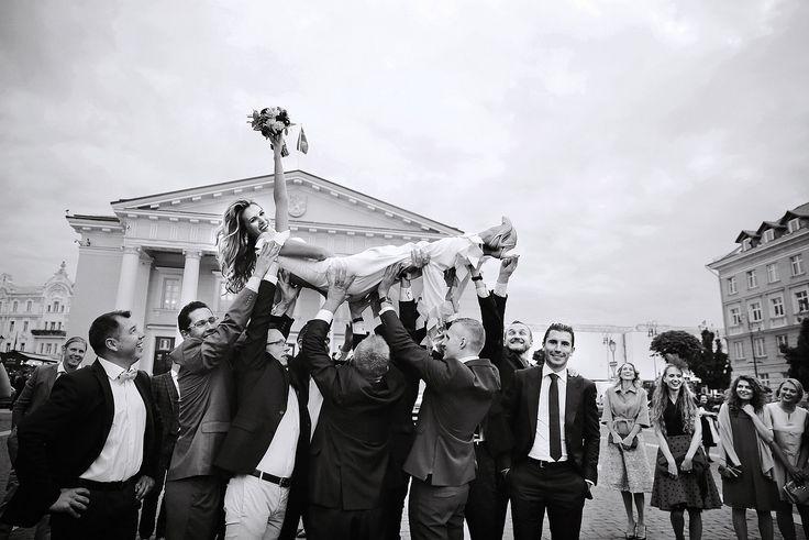 эффектные подкидывалки жениха/невесты