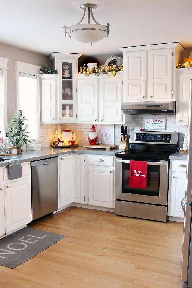 Christmas Kitchen Decor Clean And Scentsible Black White Kitchen Decor Christmas Kitchen Christmas Kitchen Decor