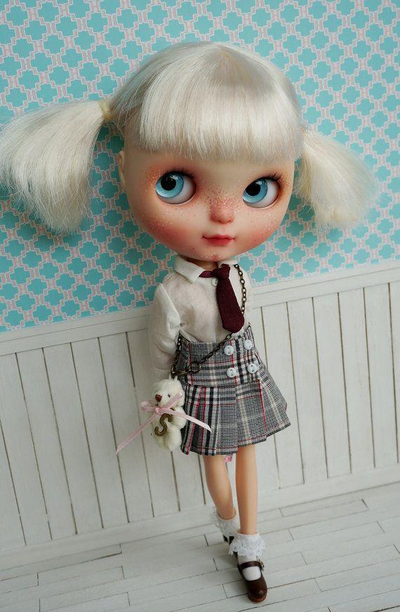 Blythe Sada školní uniformy, včetně košile, kravaty, sukně