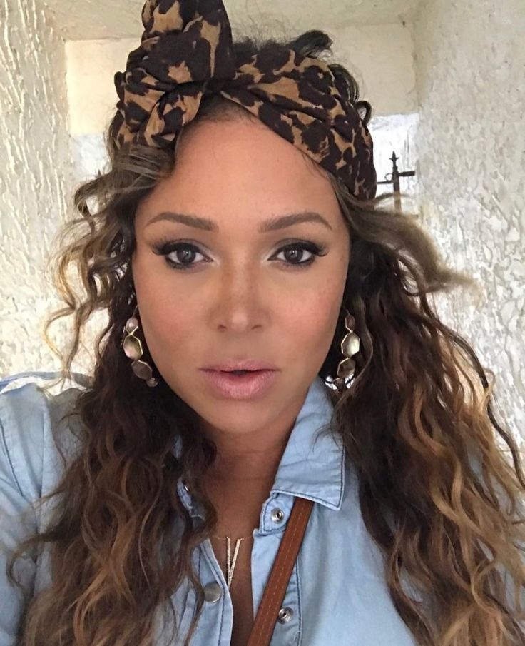 Tamia is so pretty in her leopard print headband