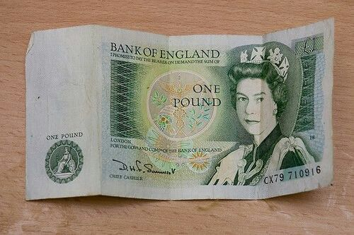 £1 note - You thought you were rich if you had 10 of these. It felt like real money!