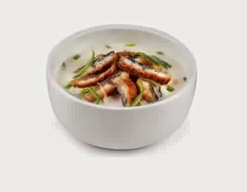 Creamy Soup With Eel Recipe - http://easy-lunch-recipes.com/creamy-soup-with-eel-recipe/