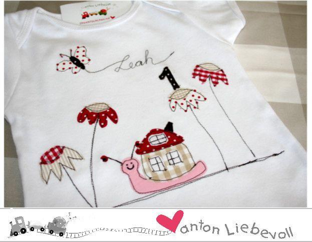 Geburtstagsshirt+Schnecke+und+Schmetterling+von+antonLiebevoll+auf+DaWanda.com