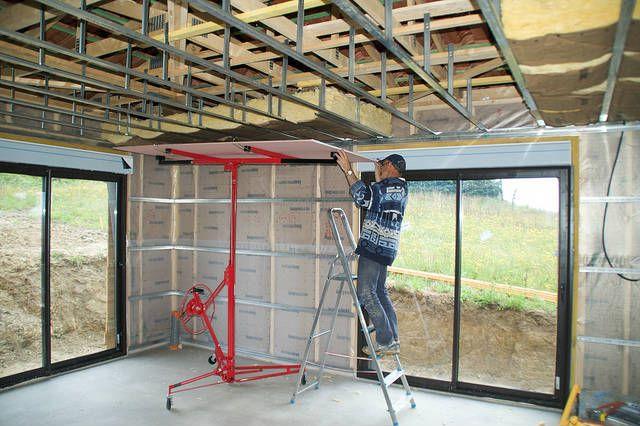 Pose et prix d'un faux plafond | Travaux Bricolage : http://www.travauxbricolage.fr/travaux-interieurs/cloison-amenagement/pose-et-prix-faux-plafond/