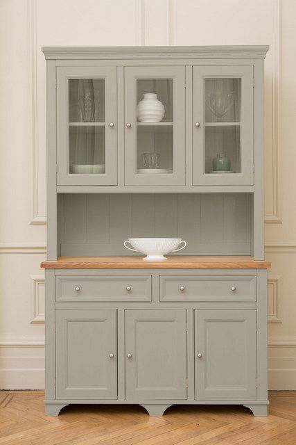 Wow! The Woburn Welsh Dresser. The traditional #WelshDresser we all know & love - with a modern twist. This one is painted in Saltmarsh.