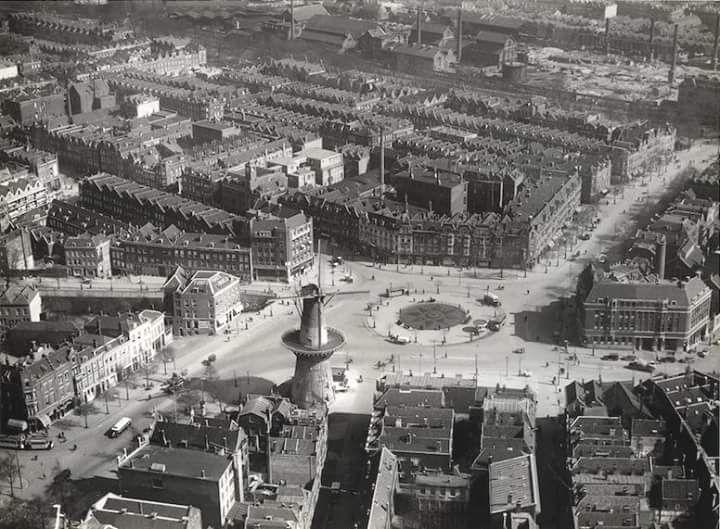Luchtfoto van het oostplein met molen de noord en omgeving 1932