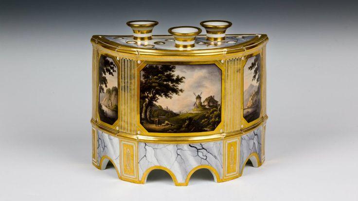 Crocus pot / Blickling Hall. Crocus pot, made by Barr, Flight and Barr, Worcester, c. 1807-13, Blickling / NT 353347 #GeorgianEra
