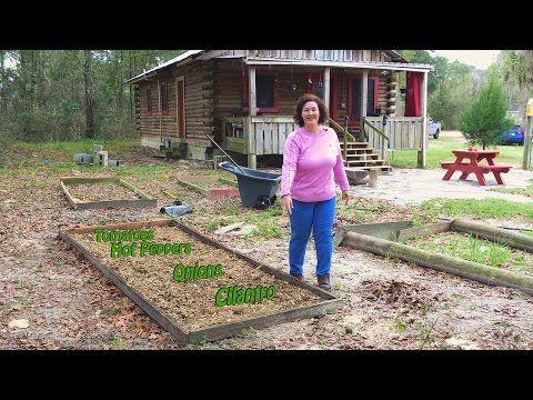 Salsa Garden Soil Ready To Grow Heirloom Tomatoes 400 x 300