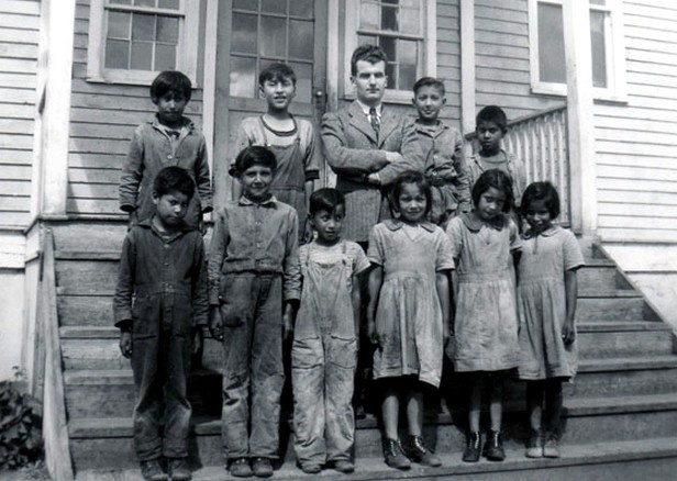 american indian boarding schools essay Our spirits don't speak english: indian boarding school is a native american perspective on indian boarding schools this dvd produced by rich-heape films, inc.