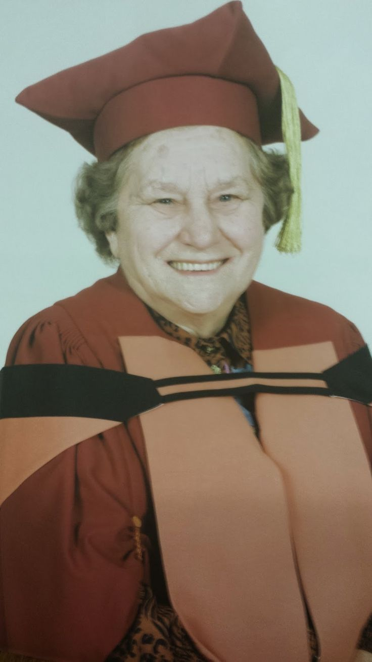 LIS Trends: Professor Charlotte Searle – A giant in the history.  Source:   http://listrends.blogspot.com/2014/10/professor-charlotte-searle-giant-in.html