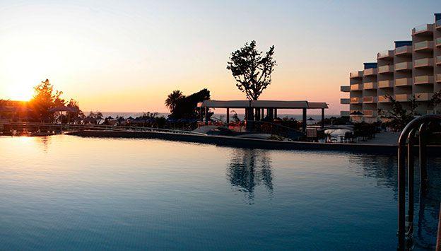 Hotel Atrium Platinum i Grækenland. Se mere på www.bravotours.dk @Bravo Tours #BravoTours #Travel