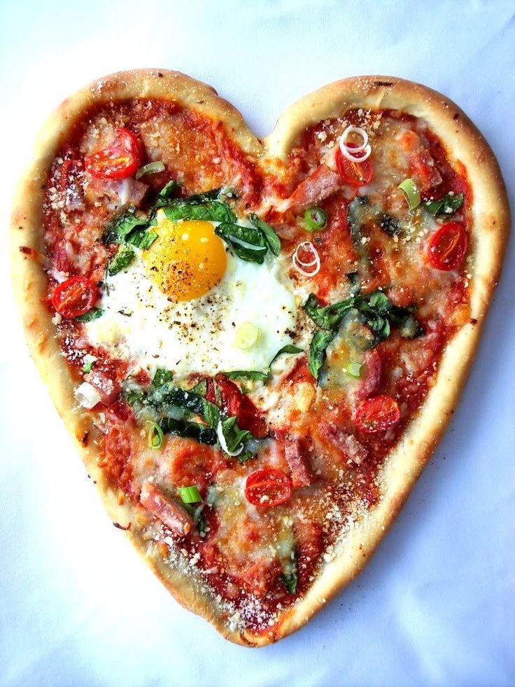 """PIZZA """"CORAZON"""" CON HUEVO (Mini Cracked Egg Pizza) #IdeasParaSanValentin"""