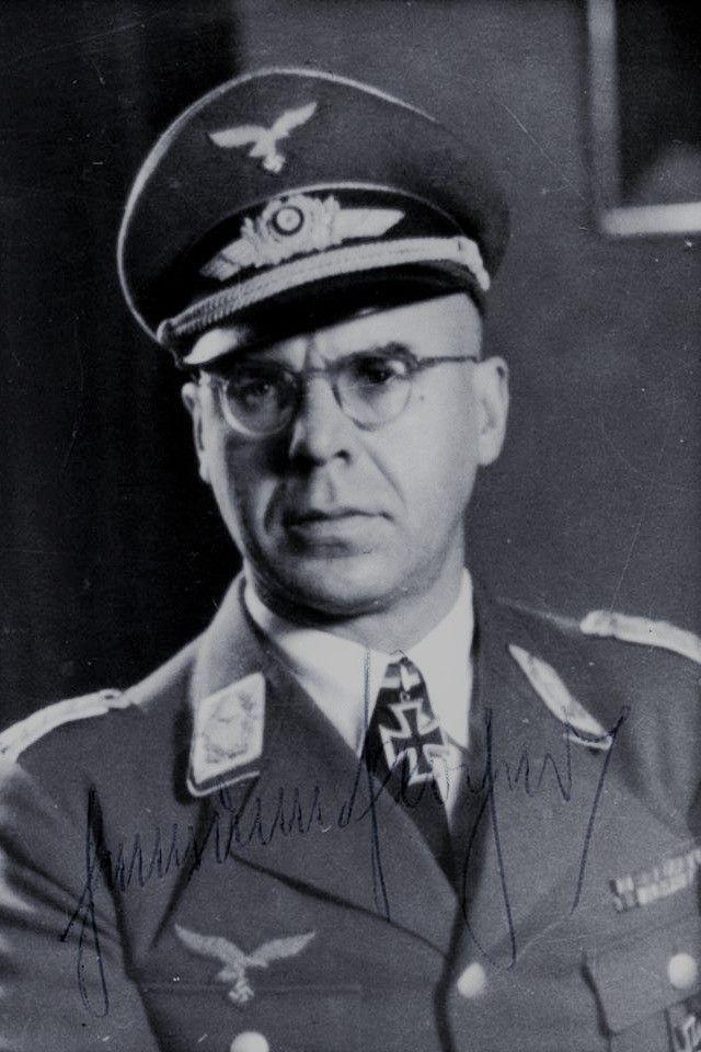 Generalmajor Hermann Plocher (1901-1980), Chef des Generalstabes der Luftflotte 3, Ritterkreuz 22.11.1943, Eichenlaub (867) 08.05.1945
