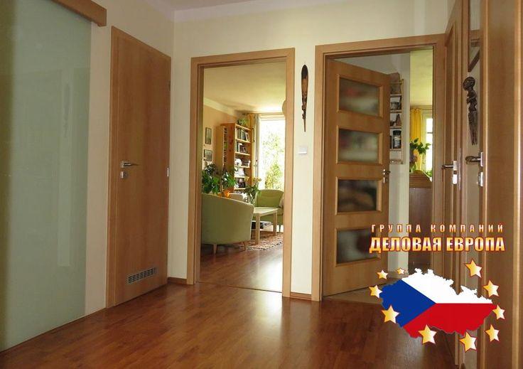 Продажа квартиры 3+КК, Прага 4 - Михле, 160 000 € http://portal-eu.ru/kvartiry/3-komn/3+kk/realty197  Продается квартира 3+КК площадью 77 кв.м в районе Прага 4 – Михле стоимостью 160 000 евро. Квартира находится на 5 этаже семиэтажного дома, имеется подвал 4 кв.м. Квартира состоит из спальной комнаты, кухни, гостиной, двух комнат, прихожей и раздельного санузла (ванная комната и туалет). Присутствует лоджия площадью 6 кв.м. В 2007 в квартире был произведен капитальный ремонт – совмещенная…