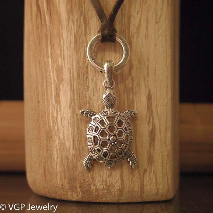 Mooie Schildpad Ketting: verstelbare leren ketting bruin of zwart