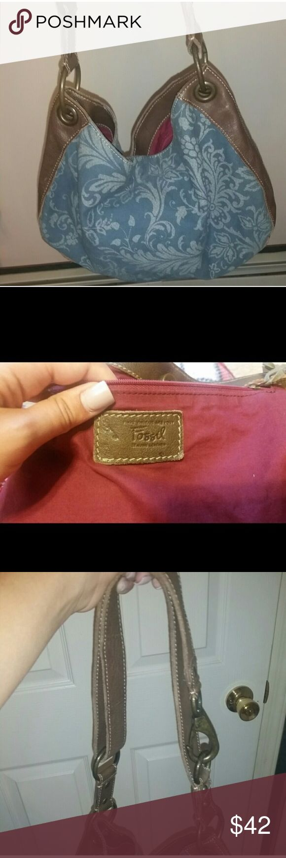 ⚡️Final⚡️ FOSSIL hobo shoulder bag Great condition FOSSIL hobo shoulder bag! Great condition! Almost new! Fossil Bags Hobos